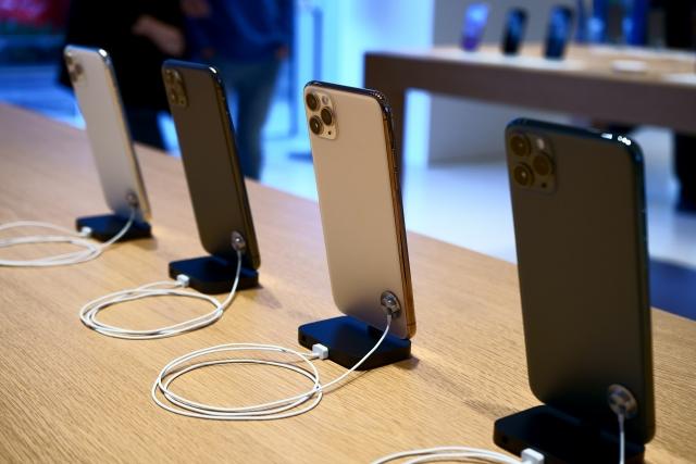iPhoneとアンドロイドはどっちが正解?OSの違いや機種変更時の注意点